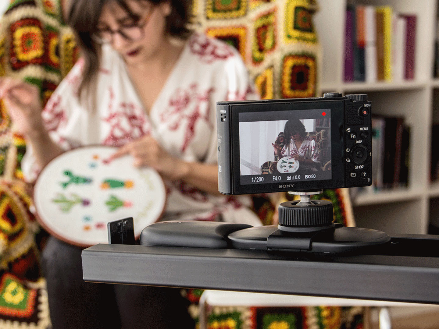 With Flow X and Track modules, MUWI is the most compact, portable, and affordable equipment for your camera.