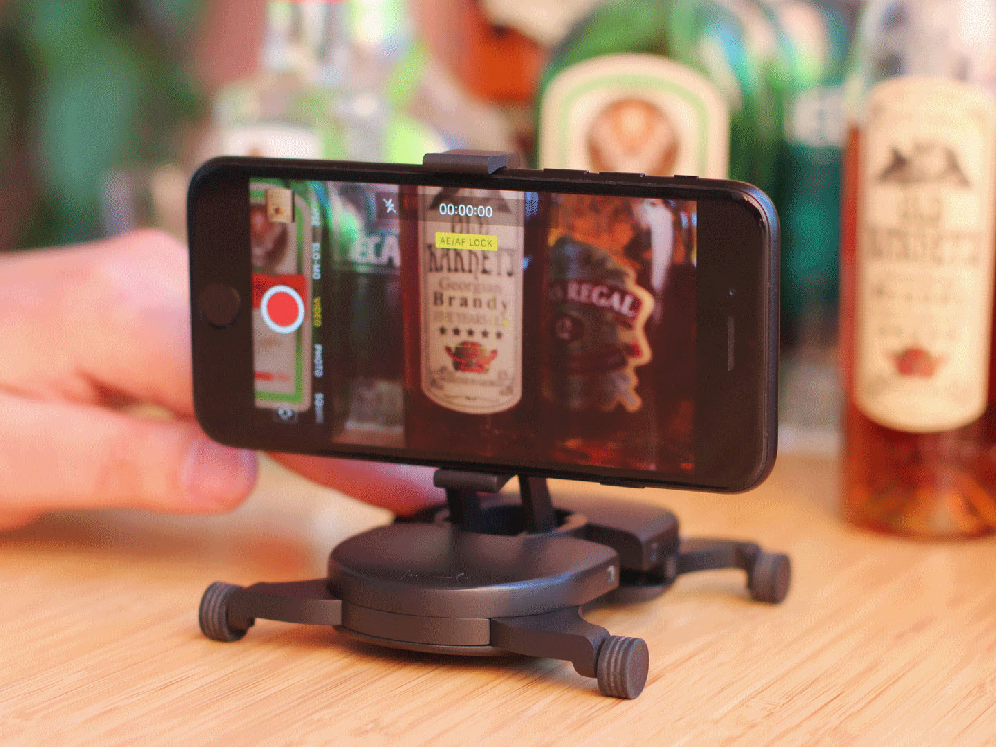 You can achieve linear and curved movements with your smartphone or camera.